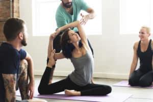 zajęcia jogi, top i legginsy