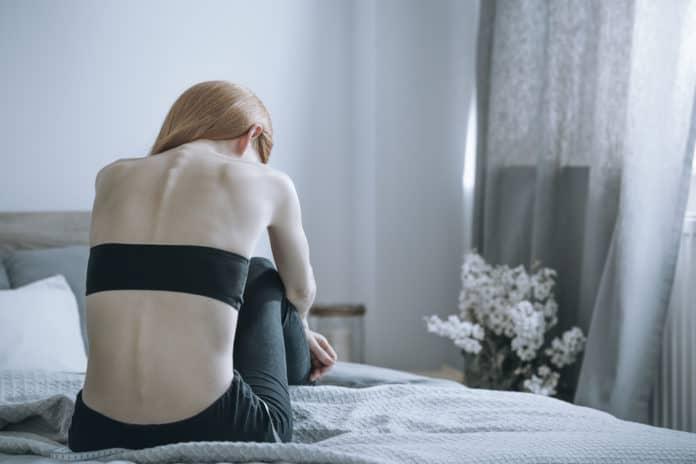 kobieta, depresja, problemy z odżywianiem