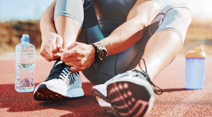 mężczyzna, sport, obuwie sportowe, woda