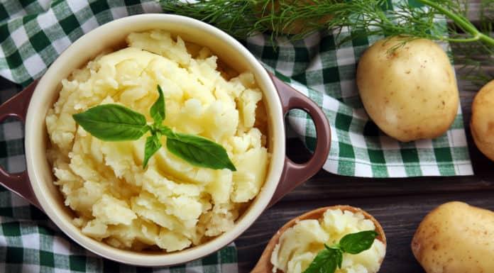 gotowane ziemniaki w misce