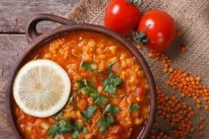 czerwona soczewica zupa