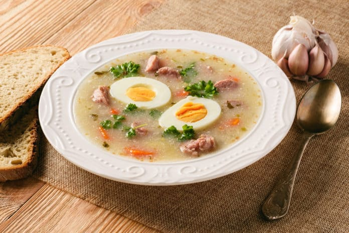 zupa, żurek z jajkiem