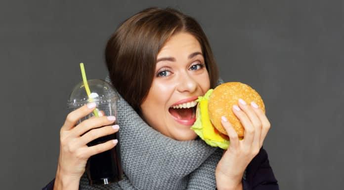 dziewczyna, hamburger, cola