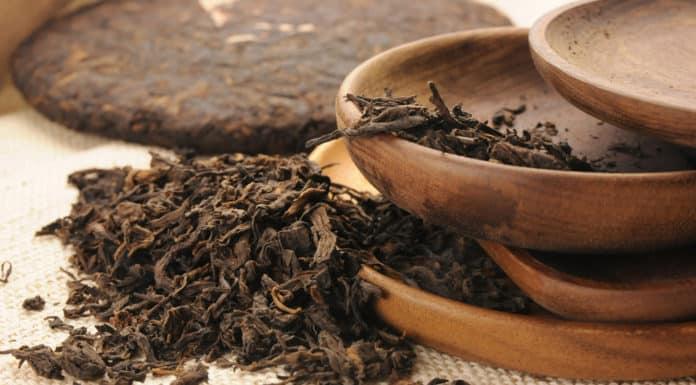 herbata pu erh, drewniane naczynia