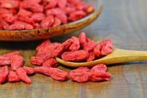 suszone jagody goji, owoce kolcowoju chińskiego