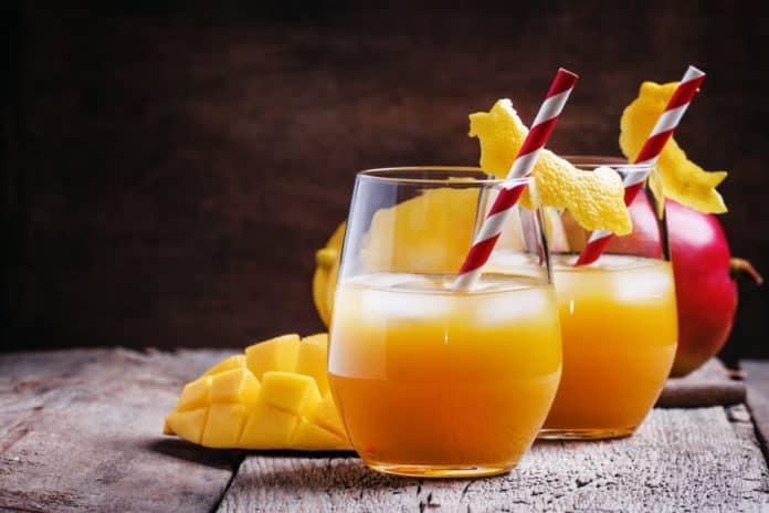 mango, koktajl, szklanki