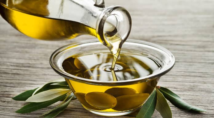 oliwa z oliwek, liście, oliwki