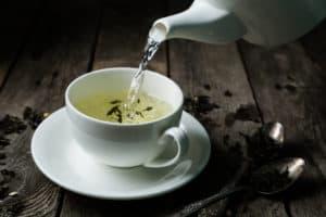 biała herbata, filiżanka, czajnik
