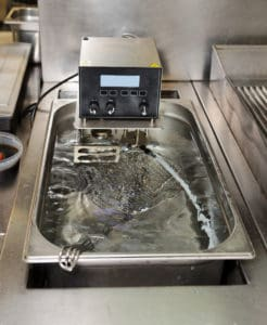 urządzenie do gotowania techniką sous vide