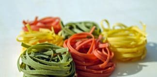makaron różne kolory